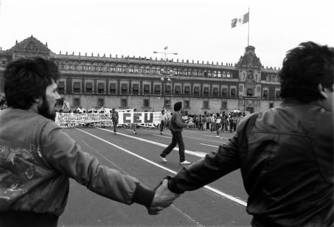 Marcha del Comité Estudiantil Universitario, del Ángel de la Independencia al Zócalo. México, D.F. 21/01/87