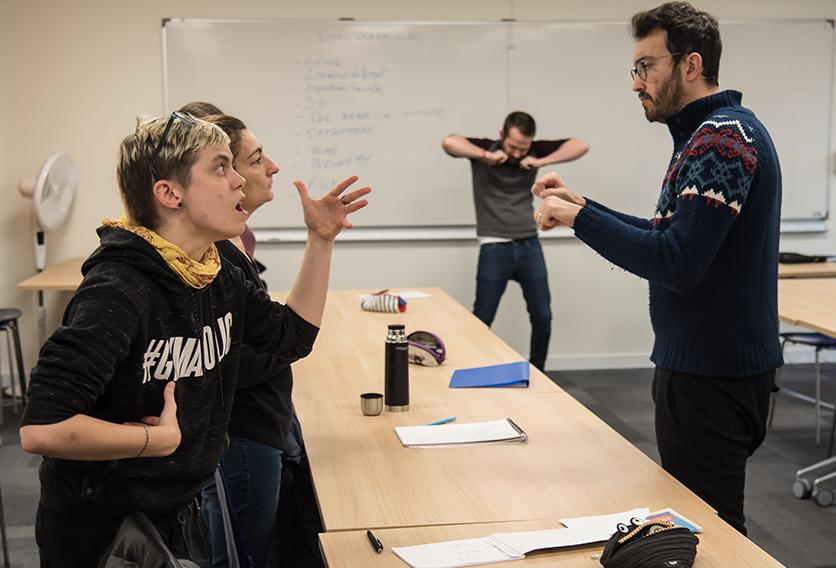DU Théâtre en langue des signes 5